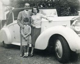 Walter Dicketts with Rolls Royce at his home at Brockhurst Estate